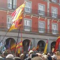 24 de septiembre. Los legionarios entonan el 'Novio de la Muerte' en la Plaza Mayor de Madrid